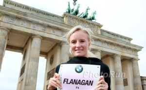 This lady is running the Berlin marathon for the American Record!